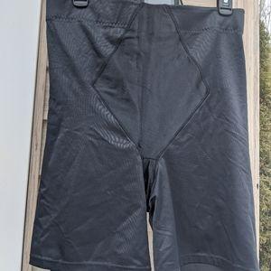 NWOT Maidenform Black Spanx Undergarment 4X